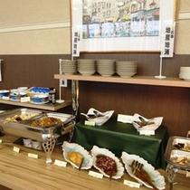 バイキング朝食(地産地消コーナーでは広島郷土料理も充実)