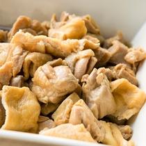 ◇朝食一例◇ 鶏肉と揚げの煮物