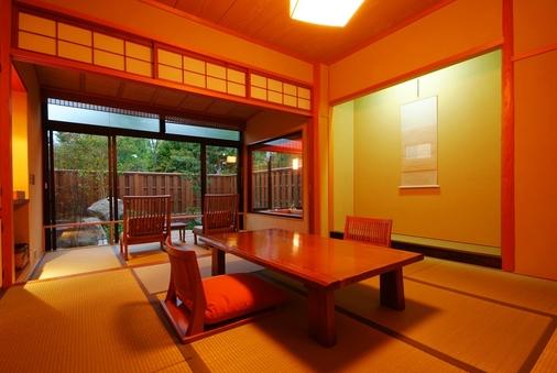1階和室8畳+広縁4畳(禁煙)【坪庭】会場食◎席間衝立あり