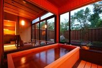 1階和室8畳+広縁4畳(禁煙)【坪庭】