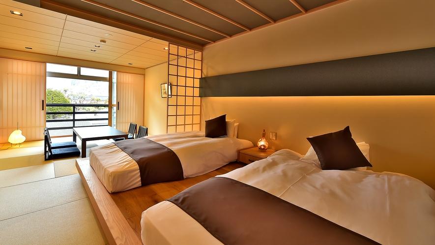 【宿屋敷 ベッドのある和室10畳】(山並・街並側)
