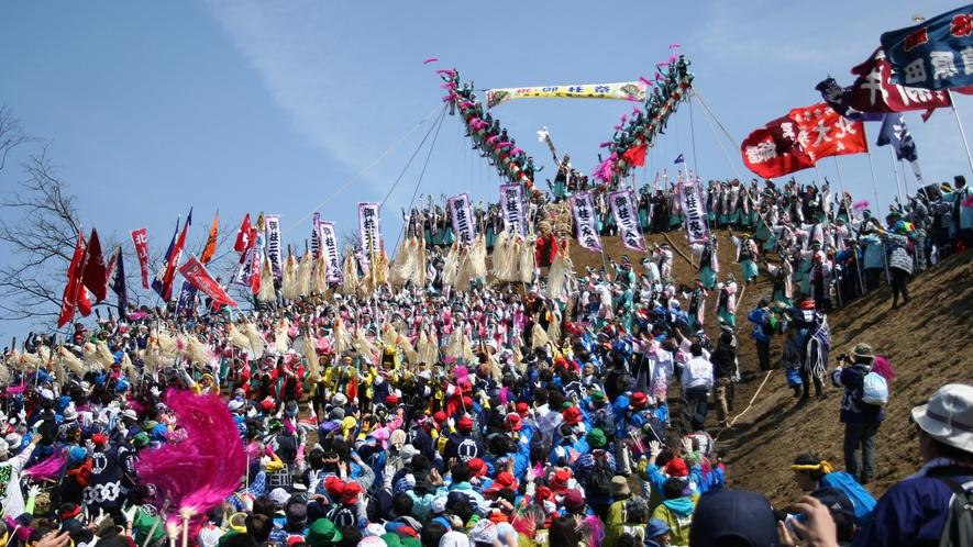 諏訪大社御柱祭 7年に1度の「式年造営御柱大祭」