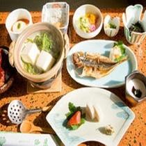 【山家荘】朝食はどこか懐かしくほっとする品々に
