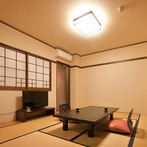 【部屋/半露天風呂付和室】wi-fi完備の禁煙和室。客室の温泉はお好きなタイミングでご利用ください。