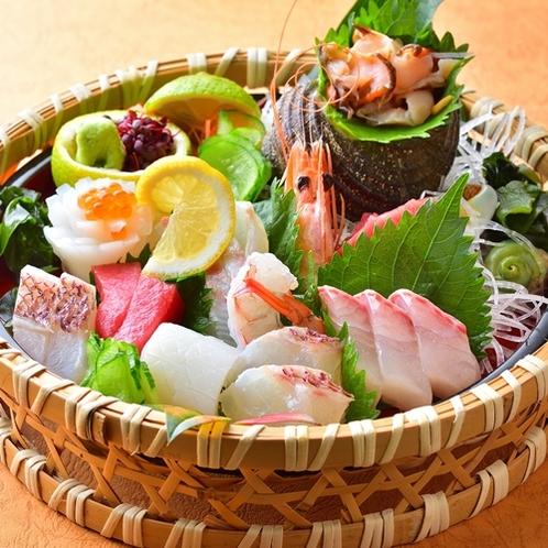 【夕食/お刺身グレードアップ】新鮮なお刺身盛りだくさんご用意しています♪