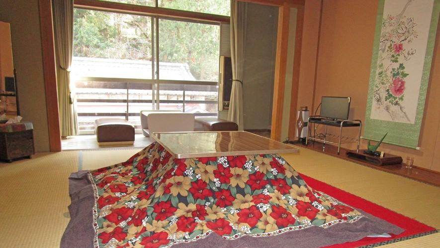 *冬季期間はお部屋にこたつをご用意。ごゆっくりとお寛ぎくださいませ。