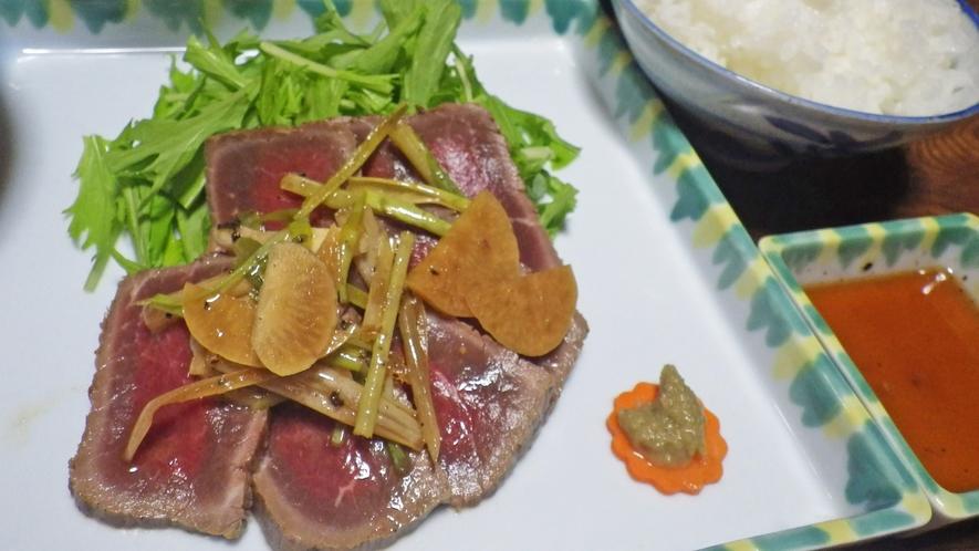*料理一例/ヘルシーで栄養満点の「鹿肉のたたき」