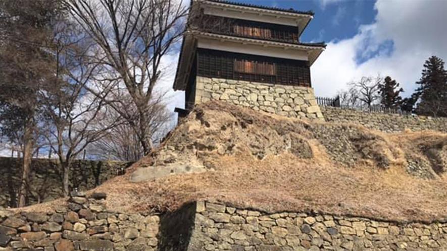 *上田城千本桜まつり/当館よりお車約30分。見頃:4月上旬〜中旬