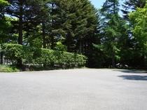 宿泊専用無料駐車場は12台収容