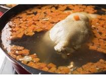 【和洋バイキング朝食】丸鶏スープ