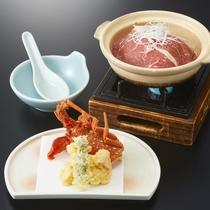 田舎風芋煮鍋とロブスターの揚物