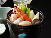 海鮮と鶏鍋