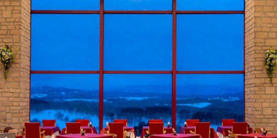 レストランからの幻想的な景色をお楽しみください♪