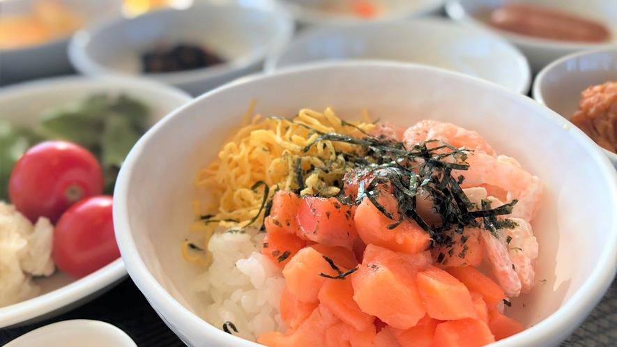 【朝食一例】海鮮丼