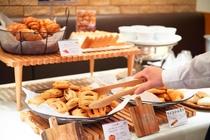 クロワッサンやクリームの入ったパン もちろんホテルブレッドもご用意しております。