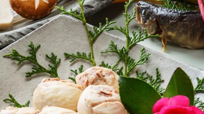 〜離れ・囲炉裏でいただく鍋料理〜◆地鶏の水炊き◆素材の味が沁みわたるお鍋。