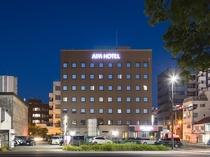 ホテル外観・西側(夜)