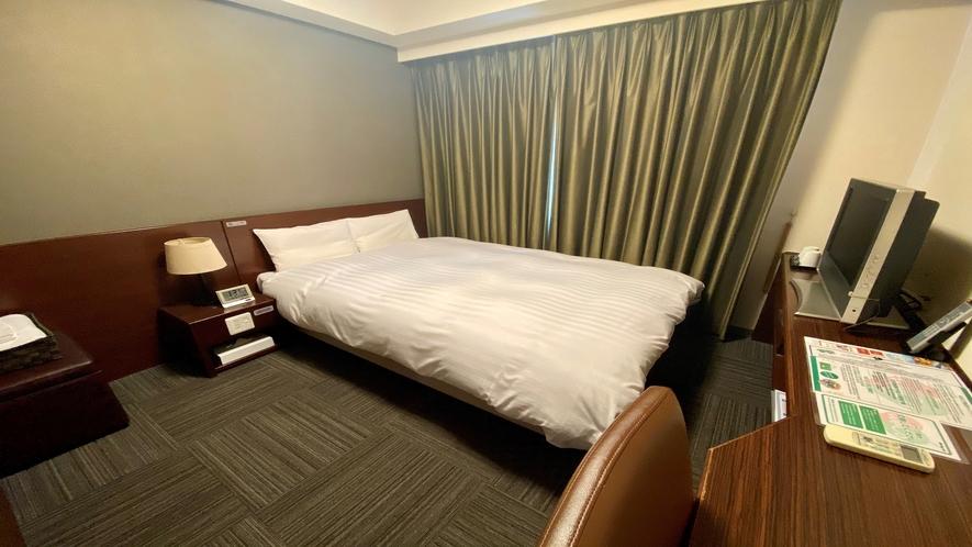 ダブルルーム【禁煙・喫煙】シモンズ社製ベッド(140×195センチ)約15平米