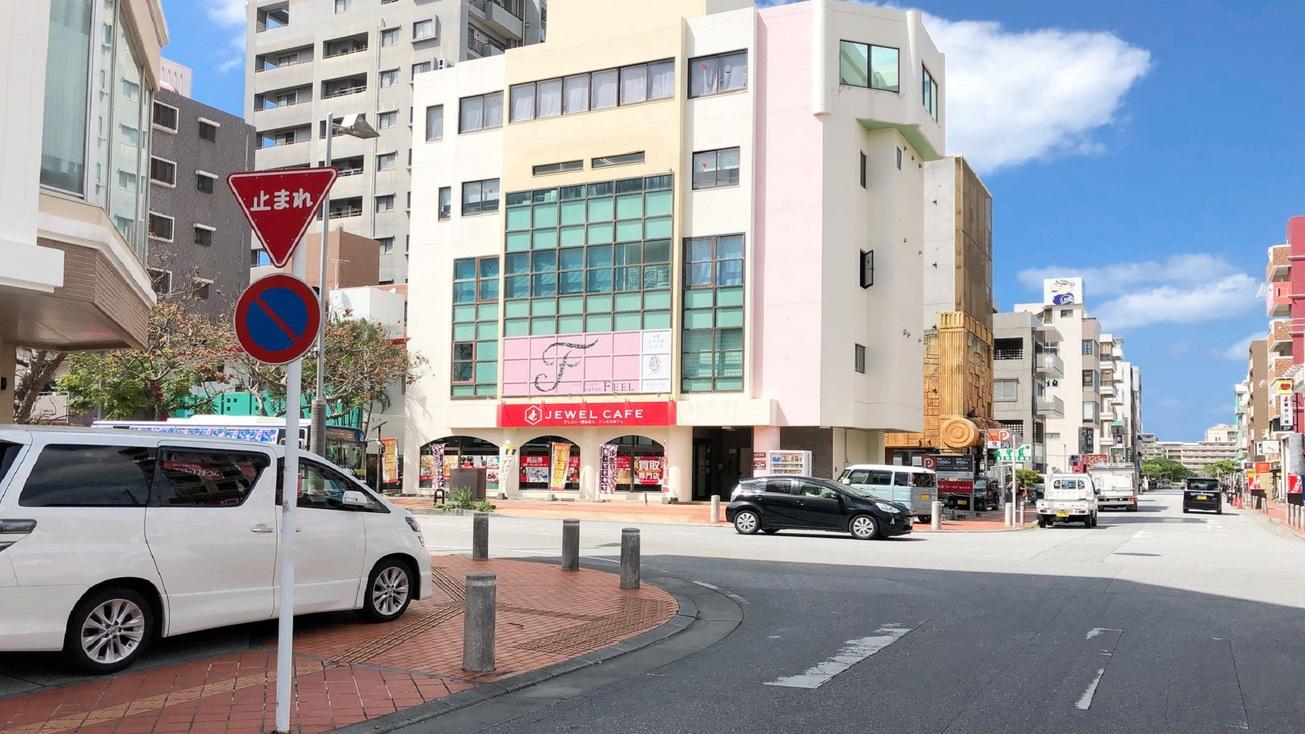 【第2駐車場までの道(3)】十字路を左に曲がります