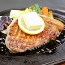 ご当地メニュー♪富士桜ポークのステーキ