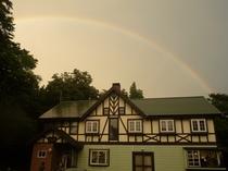 アップル館に虹が!