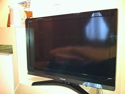 32型大型テレビ