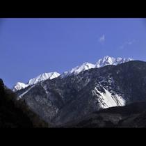 山月の外から見た北アルプス