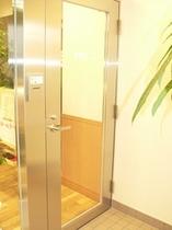 夜間専用のドア