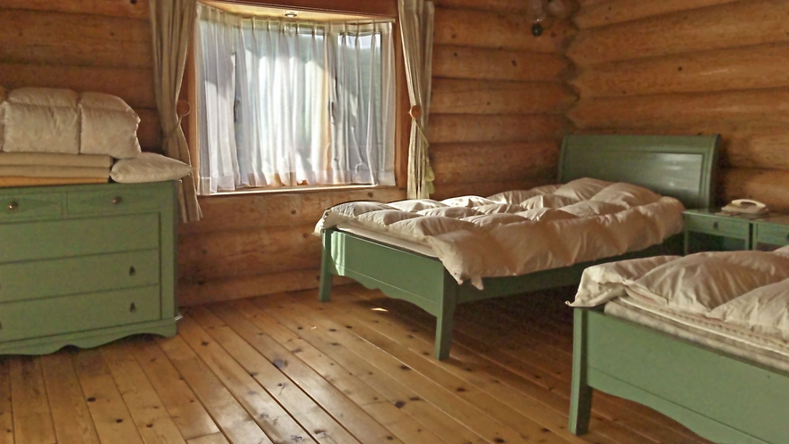 【ログハウス】TYPE-B※1階寝室イメージ