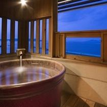 本館客室露天風呂(陶器一例) ※眺望は海です