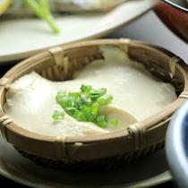 夕食-尾瀬豆腐のざるとうふ
