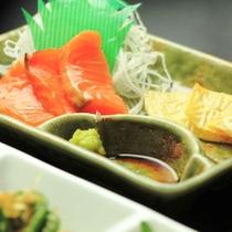 夕食-さくらマスのお刺身&尾瀬豆腐の湯葉刺し