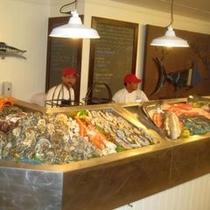 【フィッシャーマンズ・コーブ】新鮮な魚介類をご用意しております