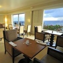 【プレミアエグゼクティブラウンジ(7階)】タモン湾を見渡しながらラウンジサービスをご満喫下さい