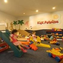 【プレイコーナー】屋内キッズプレイルームや屋外公園もあるからお子様も楽しい!