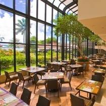 【アイランダーテラス】朝食、ランチブッフェや曜日ごとにメインテーマが異なるディナーブッフェをどうぞ