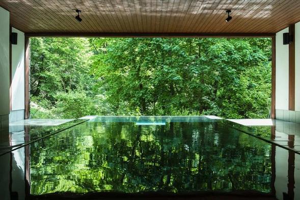 【1泊朝食付】国定公園の渓谷に佇む一軒宿で楽しむ温泉と朝食