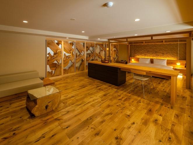 然シリーズ -白樺 107㎡のluxury空間。カラマツの古木を利用した、アートなスライドドアは白樺