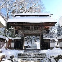 冬の温泉寺