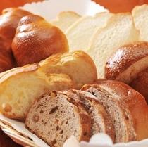 毎朝届く無添加の焼きたてパン