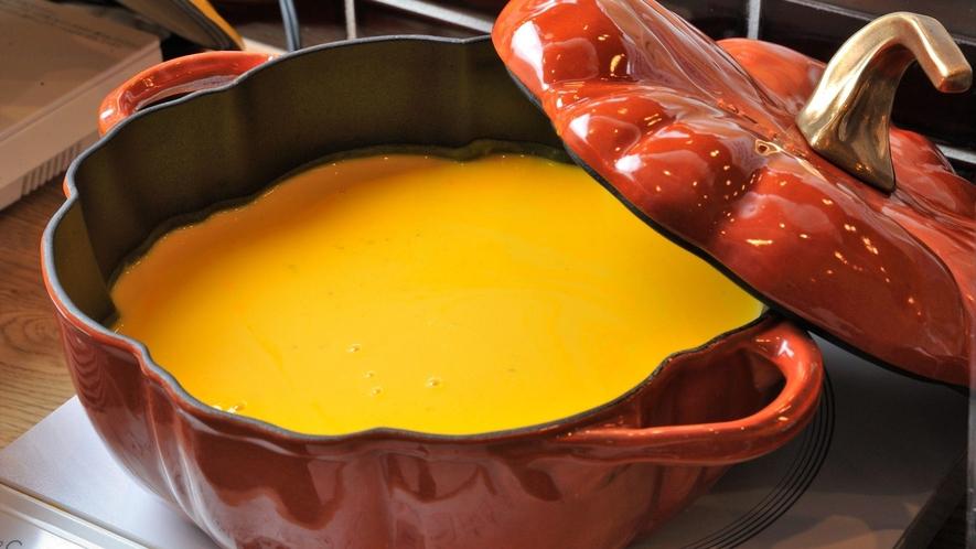 朝食 手作りパンプキンスープ