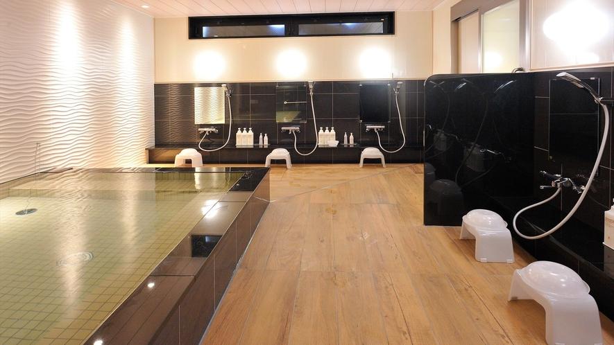 女子大浴場オープン 広い浴槽と洗い場