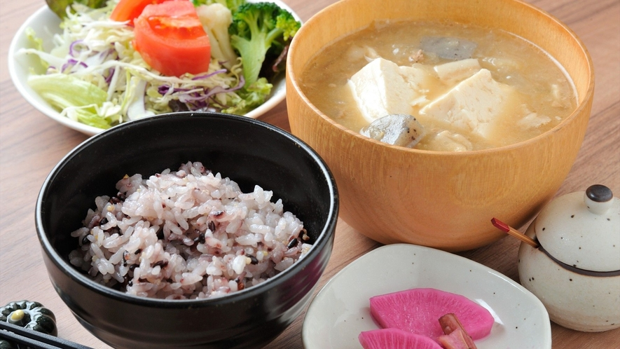 夕食メニュー 豚汁定食