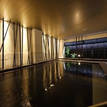 <天然温泉 華楽(かぐら)の湯>男湯・女湯は毎月 1日と15日に入れ替えを行っています。