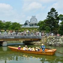 <姫路城 三十六景>四季:夏 姫路城と藩船 ※提供 姫路市
