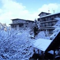 雪の回廊からの外観。