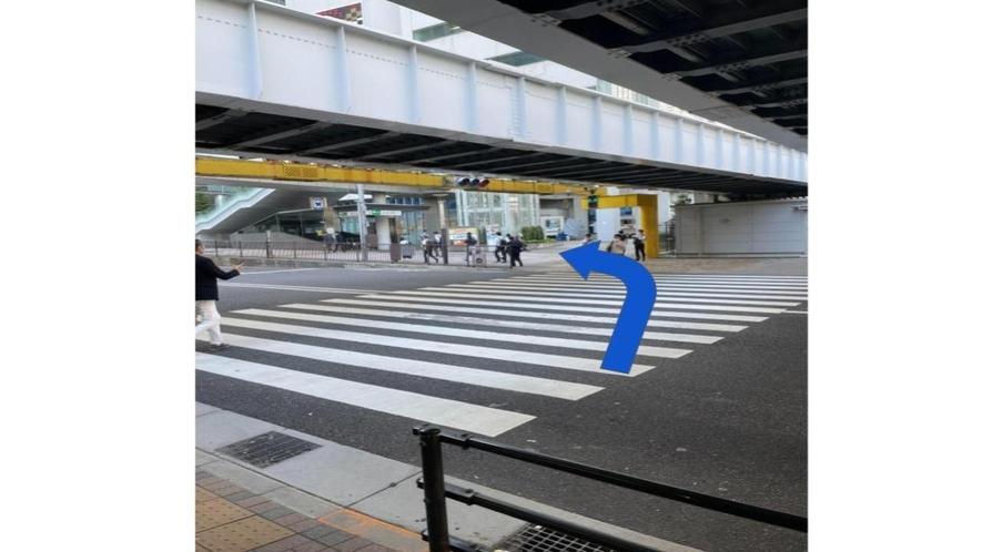浜松町駅北口交差点