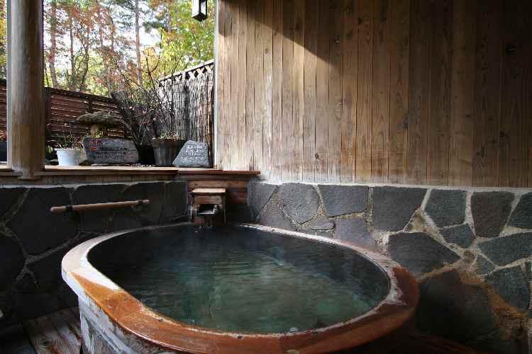 秋の樽風呂