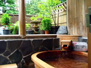 樽風呂(露天風呂)
