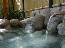 蓼科三室源泉は県内で唯一の高温の酸性泉で、美肌効果抜群♪